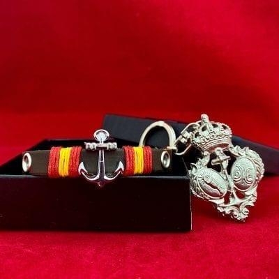 Llavero escudo Esperanza de Triana y pulsera cuero Regalos cofrades Tienda Cofrade La Casa Del Cofrade