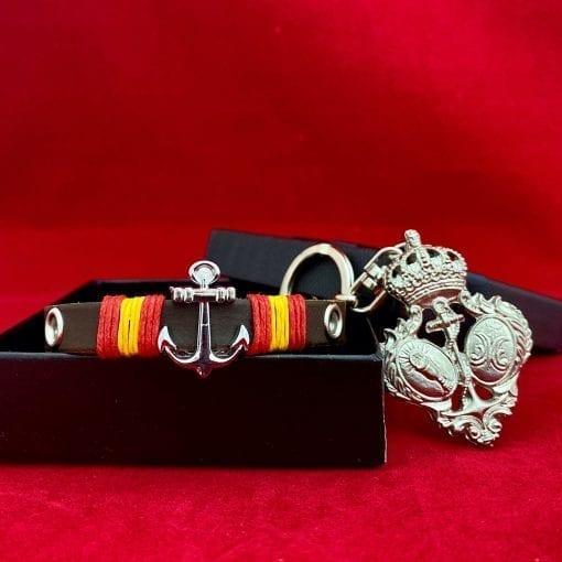 Llavero escudo Esperanza de Triana y pulsera cuero