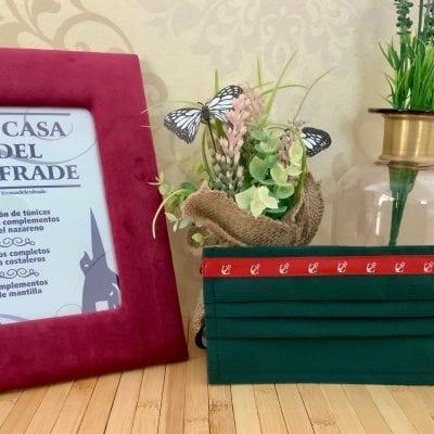 Mascarilla TNT verde con anclas en rojo La Casa Del Cofrade