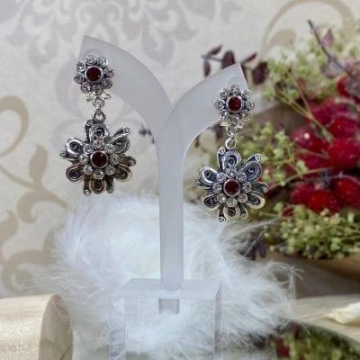 pendientes isabelinos de flor